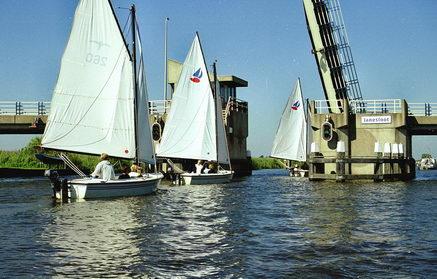 Zeilcentrum de Friese Meren: Met de polyvalken naar Langweer