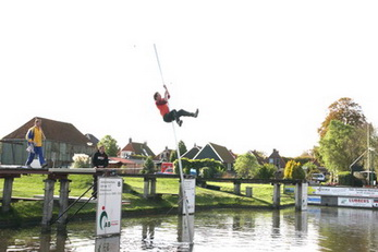 schoolkamp in friesland fierljeppen